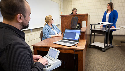 Students in Judicial Reporting classroom